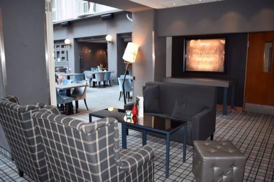 review radisson blu bremen arzo travels. Black Bedroom Furniture Sets. Home Design Ideas